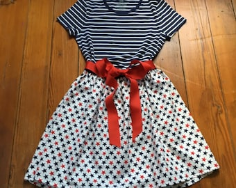 PATRIOTIC WOMAN'S OUTFIT ships in one day size 8-10 medium soft red white and blue cotton stars and stripes July 4th Memorial Day Labor Day