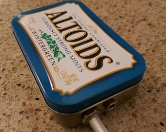 MP3 Player Amp with Speaker in an Altoids tin - Stereo mixed, 10x gain