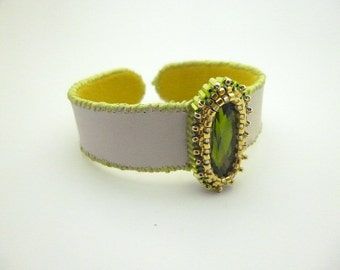 Embroidery cuff bracelet cristal and leather