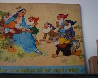 Snow white and the seven dwarfs, child illustrated book
