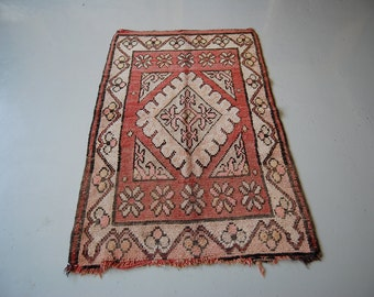 Small Moroccan Area Rug S73