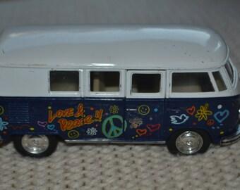 Kinsmart Volkswagen Classical Bus 1962