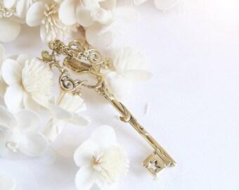 Vintage Bird Key Necklace,Charm Bird Key Pendant,Vintage Necklace,Sweet Key Vintage Pendant,Everyday Jewelry,Golden Key Necklace,Brass Gold
