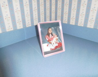 "Tupperware Tuppercraft 5"" x 7"" Picture Frame in Pink"