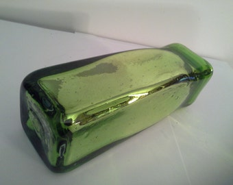 Very vibrant....green vase