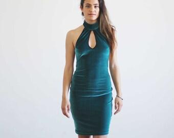Carla emerald green velvet dress