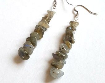 Labradorite earrings, gemstone chip earrings, mineral jewellery, magical stone, transformation, self-confidence, crystal healing