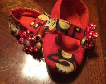 Adorable monkey baby girl slippers