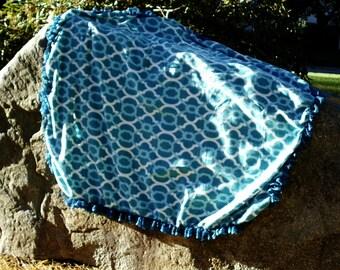 Fleece blanket with ruffle trim