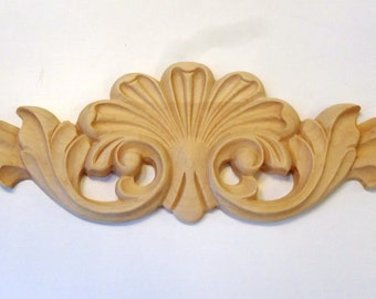 Large Maple Furniture or Cabinet Ornamental Crown Carving