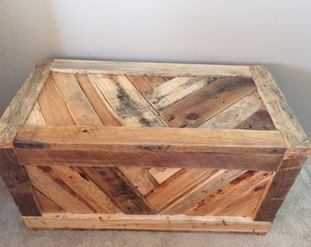 Rustic Pallet Wood Hope Chest/ Toy Box/Entryway Furniture/Storage