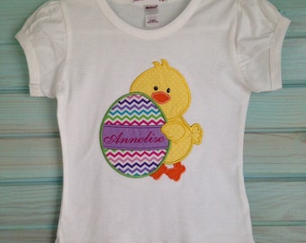Pleated short sleeve tee with chick and egg by That's Sew Mimi