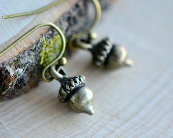 Acorn Earrings - Antique Bronze Earring Hook and Pendant - Vintage Style Woodland Earrings - Dainty (BD087)