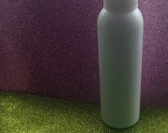 Leave in spray conditioner