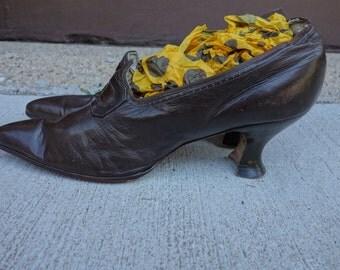 1900-1920 brown leather heels