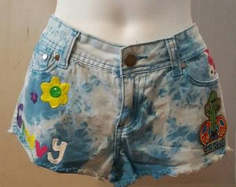Groovy Alien shorts