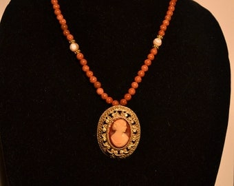 Cameo type pendant and necklace  (#30)
