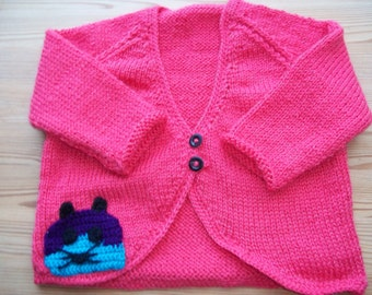 Knitted cropped cardigan  with cute kitten applique