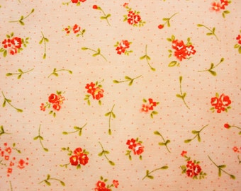 Floral Fabric / Small Red Roses Flower / Lawn / Soft Pink Peach / Pretty / Craft Quilts Dress Sewing Covers / Half Metre
