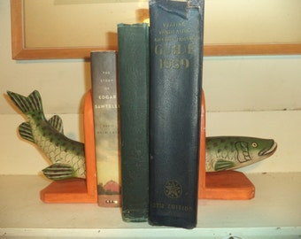 1950's Northhern Pike Muskie BOOK ENDS  Fish shack house Ice Fishing