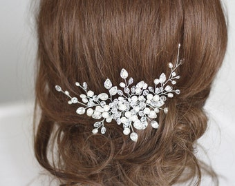 Bridal hair comb. Crystals bridal hair comb. Wedding hair comb. Bridal Headpiece. Pearl bridal hair comb. Bridal Hair Accessory.