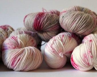 Hand-dyed sock yarn 400 m LL / 100 g soft sock - raspberry cheesecake
