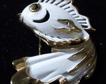 White enameled Fish Brooch