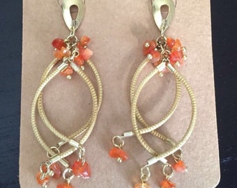 Elegant earrings whith natural stones