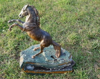 unique sculpture with orpheus agate and wild horse - free mustang