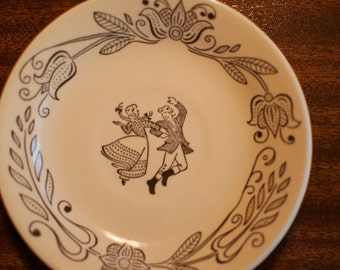Buck's County Saucer - 1950's Vintage