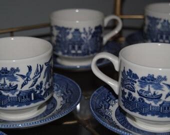 Beautiful 16 pc. Blue Willow china
