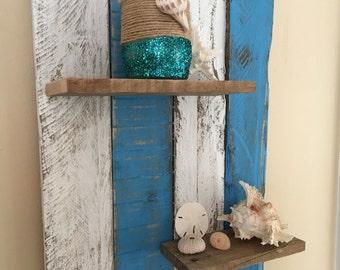Beachy pallet shelves
