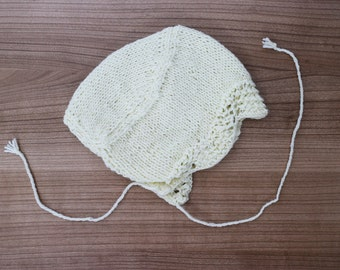 Off white baby hat. Crochet baby bonnet. Knitted baby hat. Baby hat 0-12 months. Handemade baby hat. Newborn present. Baby shower.
