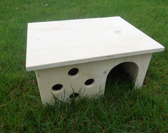 Beautiful Handmade Guinea Pig Rabbit Shelter