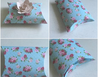 Wedding favour pillow boxes, wedding favours, wedding boxes, wedding stationary, favour boxes, pillow boxes, flat pack boxes