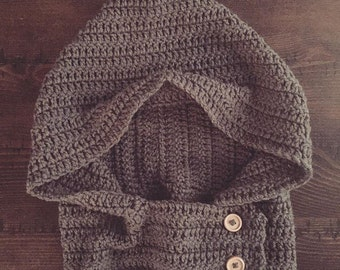 Hooded Button Cowl