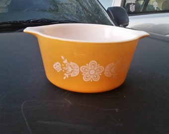 Pyrex Butterfly Gold with lid