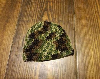 Men's or boy's camo beanie