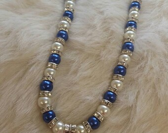 Glass pearl and dimante necklace