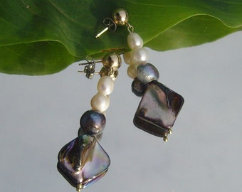 Gorgeous studs - Baroque - mussels -.