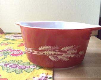 Pyrex Autumn Harvest Casserole 473-B awesome condition!