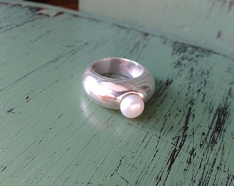 Central pearl ring / ring Pearl central