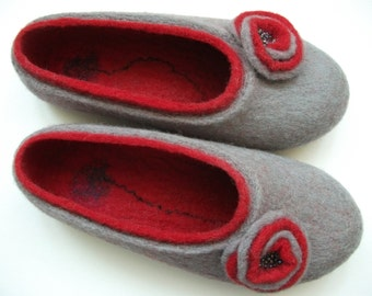 Ready to ship. Grey&Red Felted Slippers are made from 100% natural wool, Nice gift for her, Eco fashion shoes, Mother's day gift,