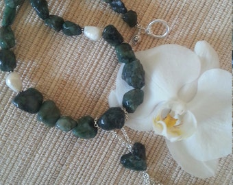POLISHED NATURAL EMERALD Nugget and Pearl Necklace