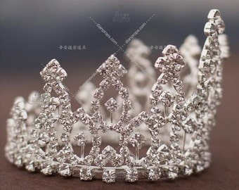 Callie Crown, Baby Crown, Baby Tiara, Newborn Photo Prop, Newborn Crown, Baby Tiara prop, Photography Props, Unique Photo Props, baby prop