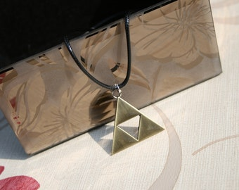 The Legend of Zelda Triforce Necklace (bronze)