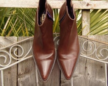 Donald J Pliner for Russell & Bromley Western Couture Collection Vintage Brown Real Leather Mid calf pull on western style ladies boots