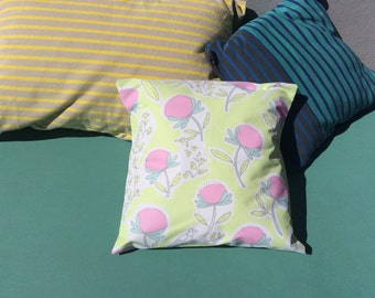 40 x 40 garden or pool Outdoor cushion