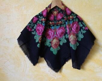 Soviet Wool scarf. Ukrainian shawl. Wool. Flower scarf. Black roses. USSR. Vintage 80's.