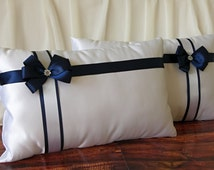 Set of 2 white satin wedding kneeling pillows with navy blue bow and rhinestone, White ceremony prayer pillows decorated by navy blue ribbon
